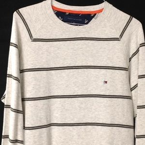 Tommy Hilfiger Men's Medium Pullover Sweaters